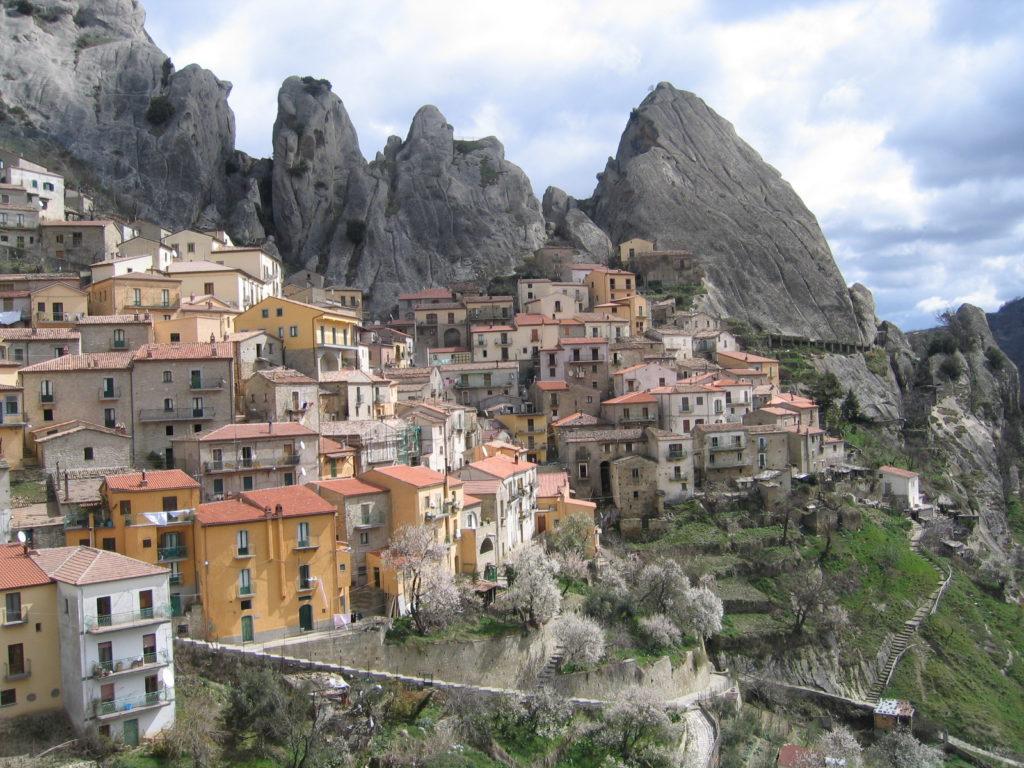 castelmezzano italia italy borghi