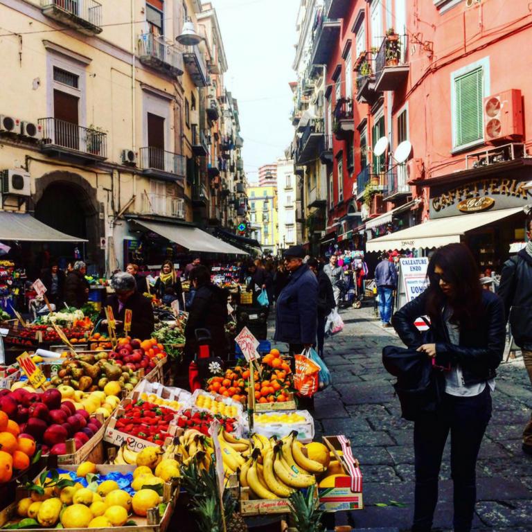markt napels napoli salerno travel campania