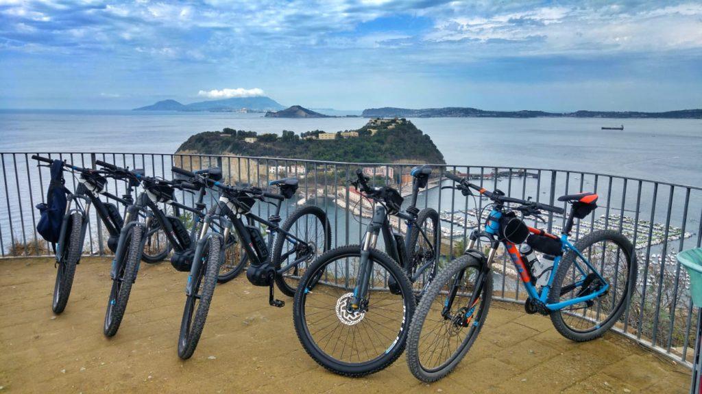 fietsen, bike, tour, fietstour, biketour, naples, napels, napoli, campi flegrei, salerno, salerno travel