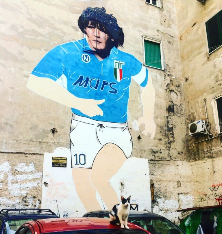 diego armando maradona street art