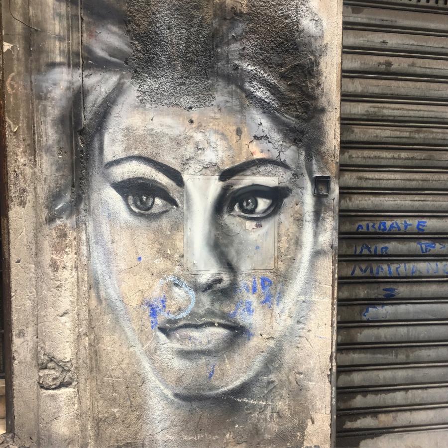 sophia loren napels street art