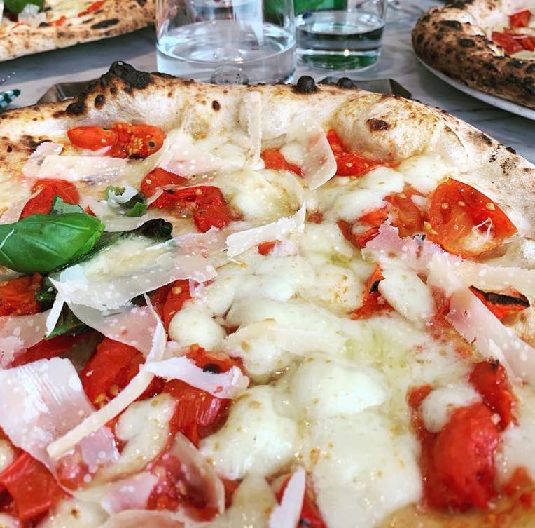 pizza les napels naples napoli