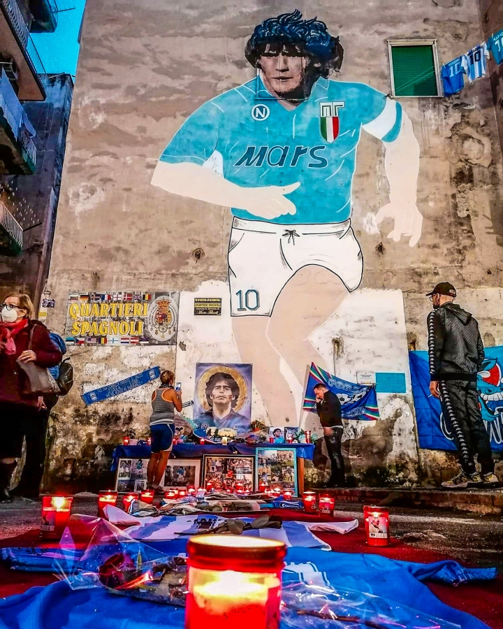 maradona napels zien sterven